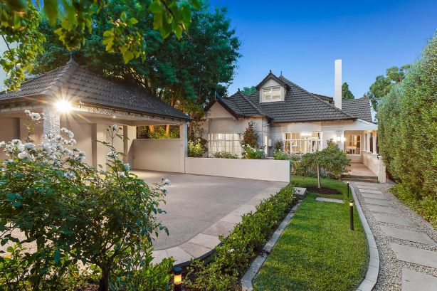 There was also one bidder at the auction of a 1920s residence on 613 sqm at 5 Gordon Grove, South Yarra.