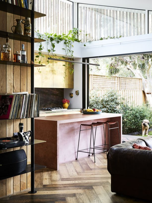 The kitchen. Photography: Caitlin Mills. Styling: Annie Portelli
