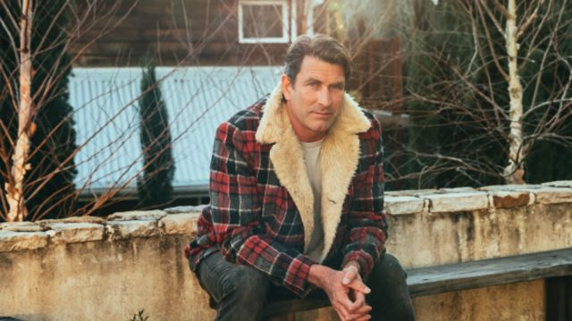 'We have great ocean views': At home with Pete Murray