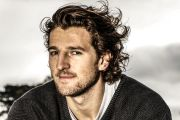 AFL star Marcus Bontempelli returns to his roots ahead of footy finals