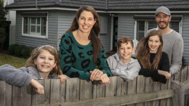 Melbourne house prices soar to crack $1 million median