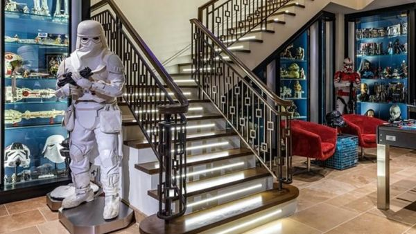 May the force be with you: Bizarre 'Star Wars' house for sale for $39.2m