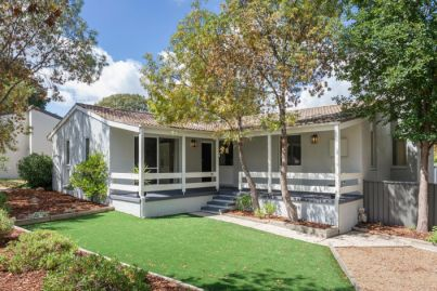 Canberra auctions: Three-bedroom Kambah home sells for $880,000