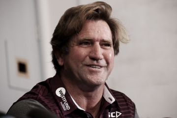 Sea Eagles coach Des Hasler offers Sydney beachfront house off-market