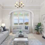 A must-see Queen Anne Federation apartment in a top neighbourhood