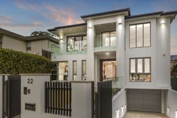 Inner west mansion sells for $6.35m on 'lucky' weekend of auctions