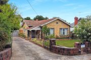 Kew fixer-upper sells for $725,000 above reserve in huge auction weekend