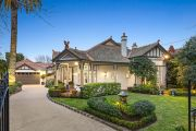 'Trending upwards': More homes expected to hit Melbourne's auction market