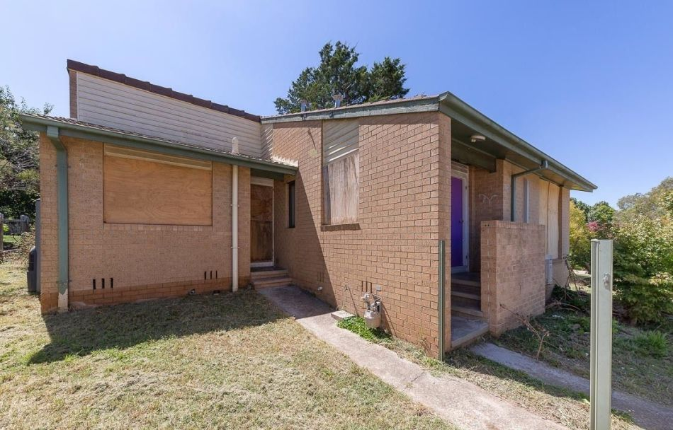 32 Noakes Court, Charnwood in the ACT.
