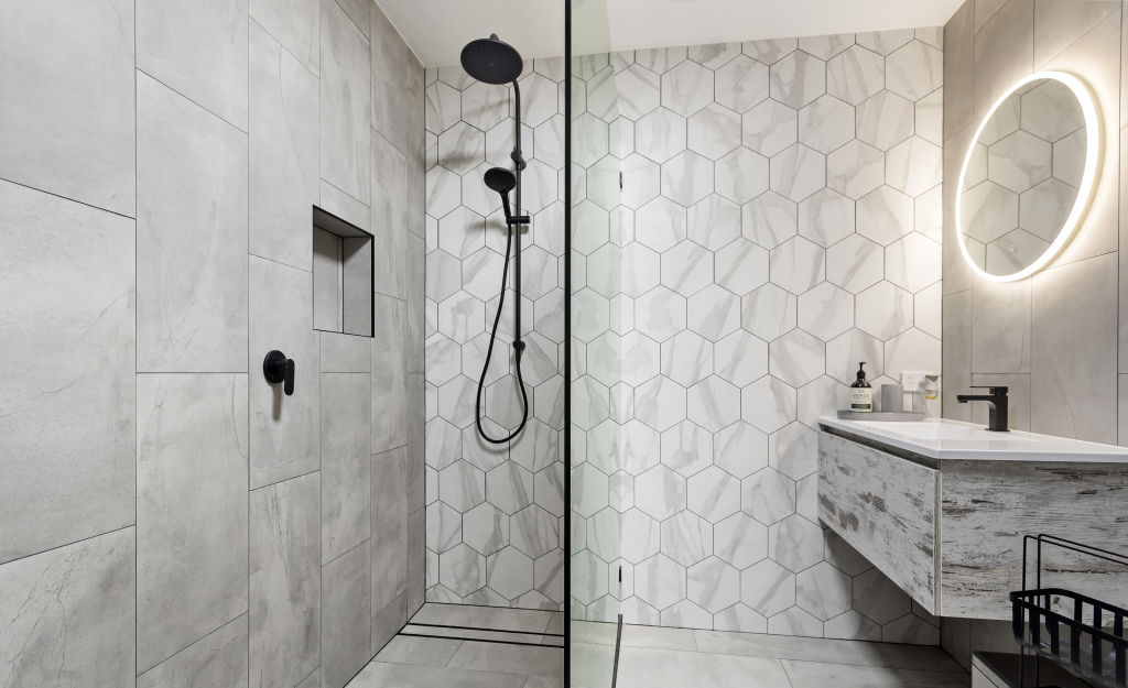 9-Bathroom_wc5sbd