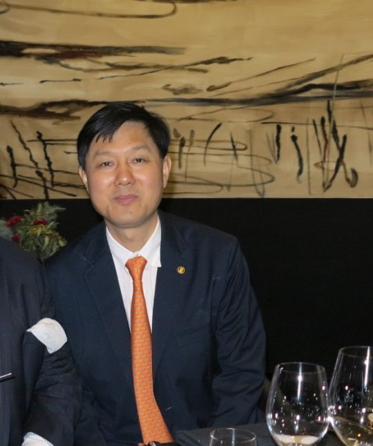 Shane Stone (left) and Phillip Dong Fang Lee (right), partners in the Sino APAC Joint Venture