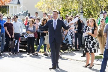 Public auctions back on in Melbourne with a maximum of 10 people