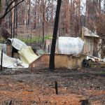 Avoid building new homes in bushfire-prone areas, report warns