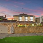 Sydney homes sell above $7 million in big week auction weekend