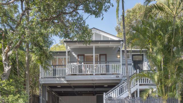 'You're not even registered!' Brisbane home sells under hammer for $865,000