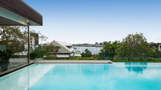 Brisbane River dream house returns to market in highly-sought after spot