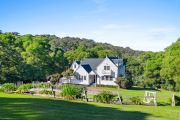Living the dream: North Narooma farmhouse and separate cottage on the market