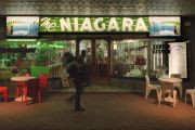 Gundagai's famous Niagara Cafe for sale for only the second time in a century