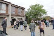 No flooring and decaying wallpaper, but 22 bidders vie for Weston townhouse