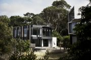 'Blink and you'll miss it': The holiday home that blends into the landscape