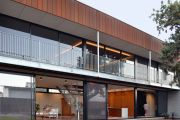 Architecture: A peek inside an industrial Broulee beach house