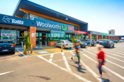 Woolworths offers tenants rent relief