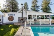 This Gerringong property could be the ultimate sea change, or luxury accommodation business