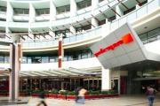 Mini Guns retail malls defy market jitters