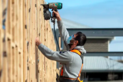 Victoria defies national construction recovery