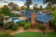 'You only get one shot': Kambah home sells for $982,000 at auction