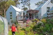 What a good son: The architect who designed a house in the Blue Mountains for his mum