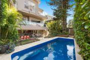 Alex Macris returns to Sydney's luxury housing market