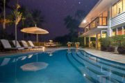 Do you love luxurious outdoor living spaces? Then check out these unmissable homes on the market