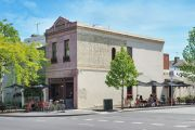 Melbourne's little corner store that has traded since 1884