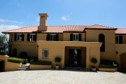 Freeze orders on billionaire's Point Piper mansion as tax office pursues $272 million
