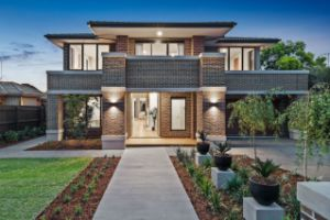 Modern Kooyong house fetches $440,000 above reserve
