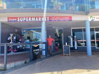 Neil_Mackay_at_Copa_Supermarket_2_j8jyvm