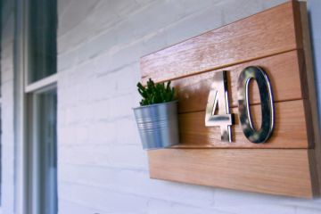 How to make a timber house number sign