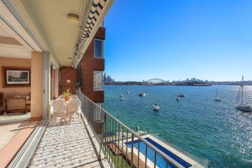 Art dealer and prestige home collector Steve Nasteski buys $7.5m Darling Point apartment