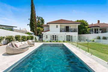 How much does it really cost to install a swimming pool?