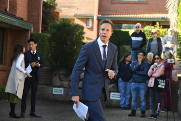 Marsfield townhouse passes in on vendor bid of $800,000 at auction