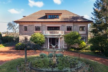 The surprising regional city home to an oversized mansion