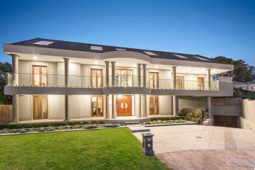 Online shopping mogul lists his Melbourne investment pad for $10m