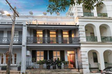 Renowned Sydney artist Michael Johnson lists grand Paddington pad for $4.3m