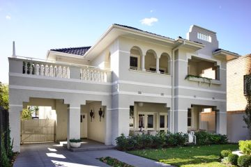 A stately 1920s home makes a glamorous return to glory