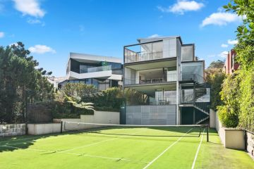 Vaucluse house sells for $24.6m at auction, $10.6m above reserve
