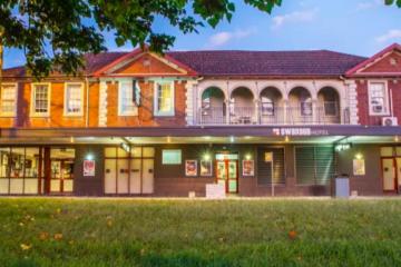 NSW restrictions 'too tough' says pub baron Arthur Laundy