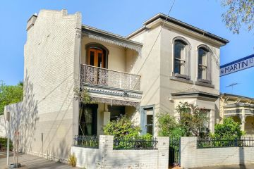 WW2 veteran's South Melbourne home sells for $2,253,000 at auction