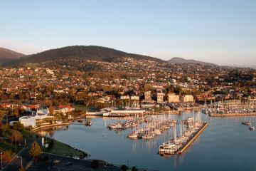 'It's perfect': Why so many people are making the move to Tasmania