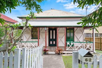 Brisbane house prices crack a record high of $702,455